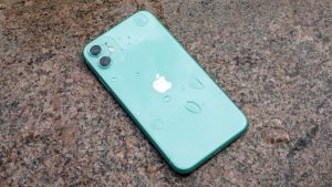 6-tips-on-how-to…-phone-in-summer